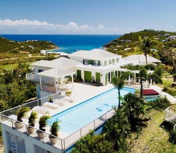 Photo for 5 bedroom villa with stunning ocean views, large pool and hot tub.