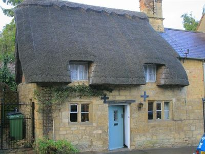 Photo for Thatched Cottage, CHIPPING CAMPDEN