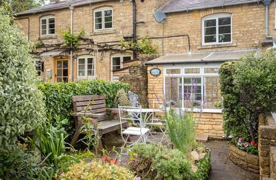 Welcome to Alice Cottage, a beautiful cottage in the heart of Blockley