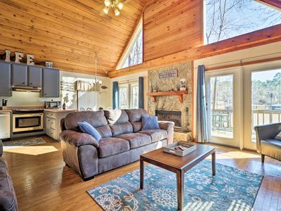 Waterfront Cabin on Lake Sinclair w/Private Dock!