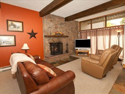Photo for Beautiful Updated 3 Bedroom Condo - Free Private Skier Shuttle