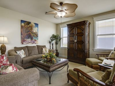 Galveston Bay relaxation at Pointe West Calypso Cottage
