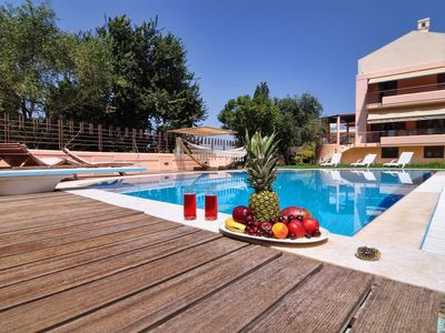 Photo for Villa Figareto - Luxurious vacation villa, private pool, BBQ & private garden