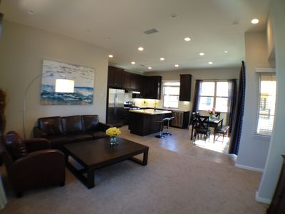 Photo for Cozy New developed House Center of Orange County  -  尔湾中心新独立屋
