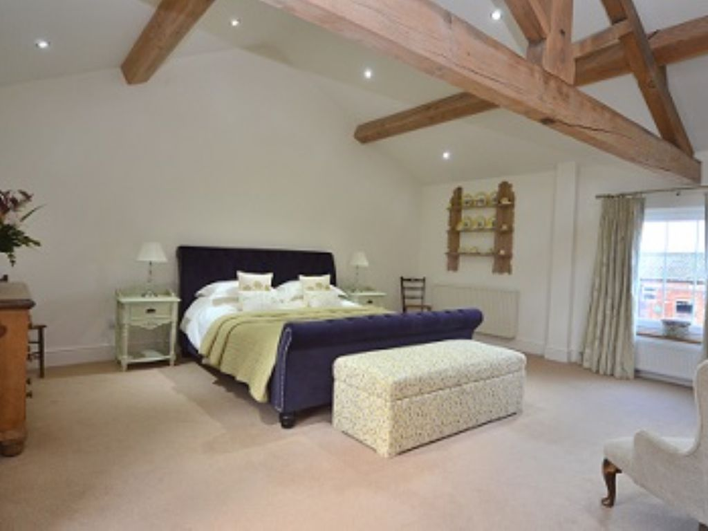The Lavender Patch With Ensuite, Private Staircase And Private Sitting Room.