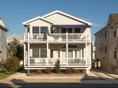 Photo for Cheerful Family Home in Ocean City, Gold Coast, 1 Block to Beach and Boardwalk