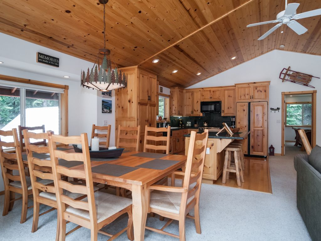 Property Image#7 PERFECT Like New Home, Comes W/ Meeks Bay Beach Pass