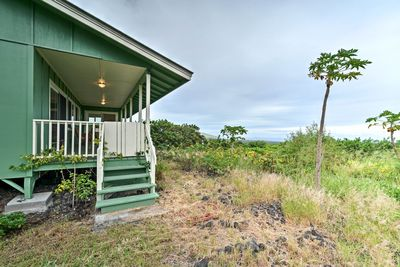 Retreat to this dreamy destination on the south of Big Island with a group of 4.