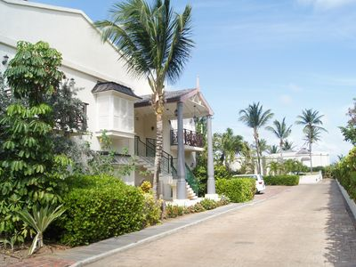 Photo for Casa Creole Two Bedroom Pool Side Apartment