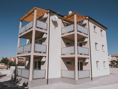 Photo for Apartment in Novalja (Pag), capacity 2+2