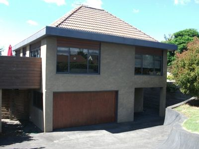 Photo for Hawai Holiday House - Spacious kiwi bach in 2 Mile Bay, WiFi included