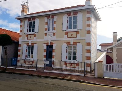 Photo for Typical classified Arcachon ****, district of l'Aiguillon, with SPA