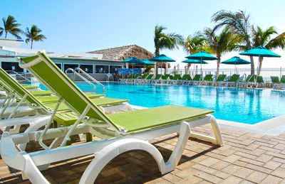 Photo for Pet and Family Friendly Paradise in KCB with Cabana Club Passes