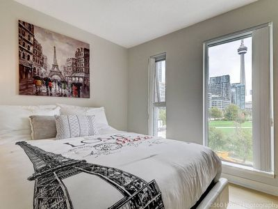 Photo for LUX 2 BR Suite with City Views & Free Parking