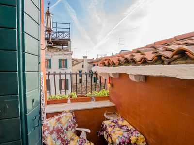 Photo for Ca' Betta - an elegant apartment in the heart of the historic center of Venice