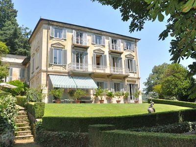 Photo for Beautiful and charming apartment in nineteenth century villa