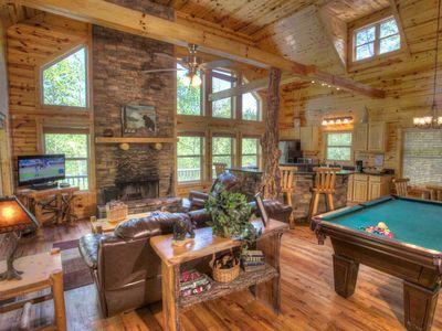 Bear Creek-Great Mulitple Couples Cabin, Luxury Spa Bath