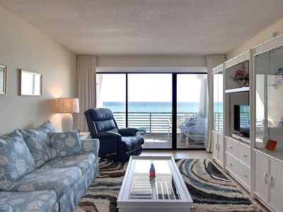 Photo for Charming dog-friendly Gulf-front condo w/pool, beach access - snowbirds welcome!