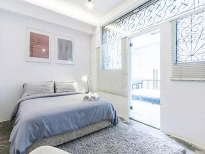 Photo for Classic 1 Bedroom City Apartment