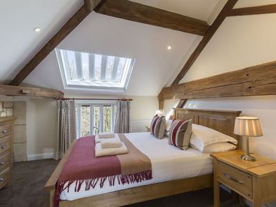 Photo for St Kenelm; Sudeley Castle, Cotswolds - sleeps 4 guests  in 3 bedrooms