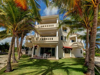 Photo for Villa Dolphin - stunning 4 bedrooms villa on the Caribbean Sea
