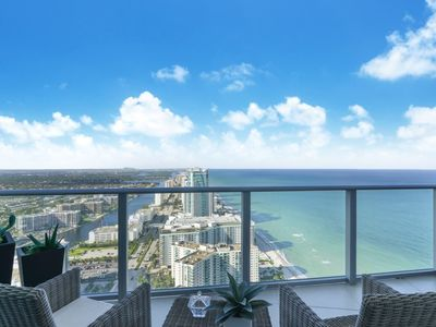 Photo for OCEAN FRONT RESORT, ON THE BEACH STUNNING CITY & OCEAN VIEWS