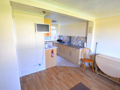 Photo for Chalet 84, Sandown Bay, Isle of Wight, Sleeps 4-6