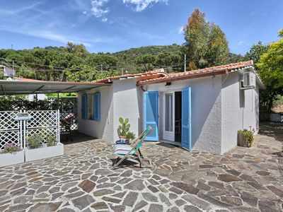 Photo for Mediterranean Holiday Home with Air Conditioning & Terrace with Sea View; Parking Available, Pets Allowed