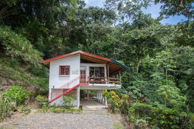 Enjoy the sights and sounds of the jungle at Kiskadee Casa.