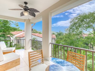Photo for Luxury condo w/ large balcony, amazing view & shared pool - near downtown!