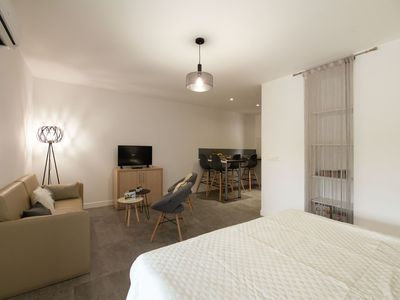Photo for Nice apartment for 4 people with WIFI, pool, A/C, TV and parking