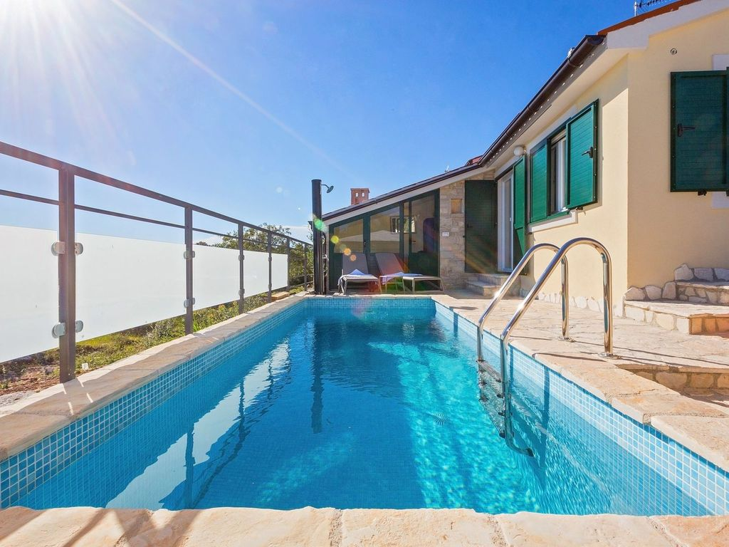 Charming holiday home with swimming pool, jacuzzi and infrared sauna ...