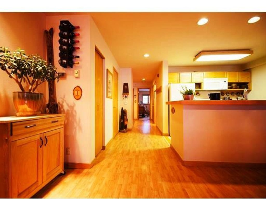 Property Image#7 Walk to Lifts! Extra Large Condo, Yr-round Pool