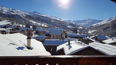 Photo for Charming apartment in a chalet in the heart of the 3 Valleys