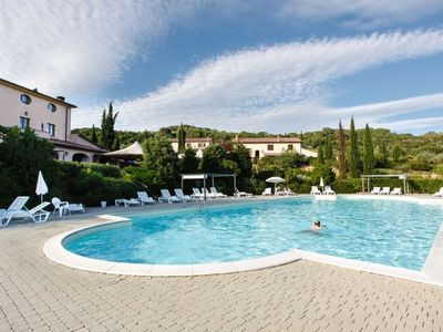 Photo for Apartment in the green of Tuscany with swimming pool Residence Il Granaio