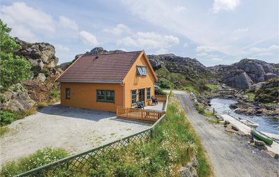 Photo for 4 bedroom accommodation in Kvalavåg