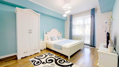 Photo for 125m2 new apartment, 5 rooms + free pickup