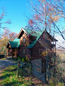 Photo for Mountain Views/  Secluded  3 King Master Suites w/Jacuzzi & Full BA ea