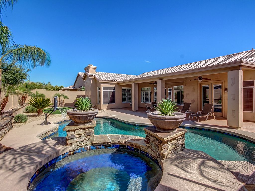 Luxury Resort Home In Glendale Pool Spa Hot Tub