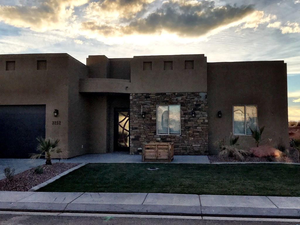 Great vacation rental in sand hollow retreat near st george and zion vrbo for Sand hollow swimming pool st george