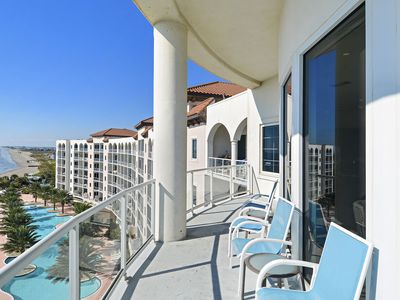 Diamond Beach 702-King of Diamonds: Beachfront, Indoor & Outdoor Pools, Private Balcony!