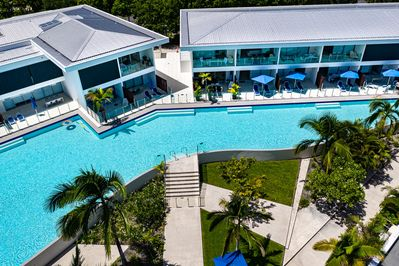 Pool 62, Port Douglas: The height of resort living...