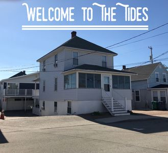The Tides, 6 Bedroom, 2 Bath. NH beaches are OPEN!
