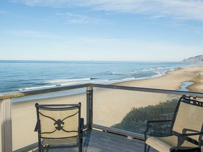 Photo for Beautifully decorated oceanfront home in Lincoln City with sweeping views!