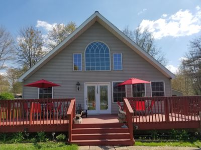 Photo for Pet friendly and charming chalet just 1/2 mile walk to Lake Pymatuning
