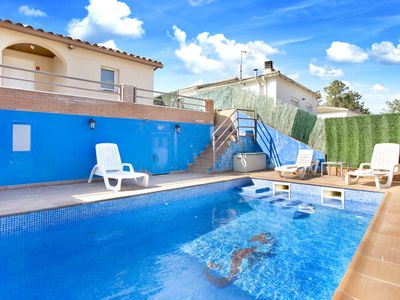 Photo for 3 Bedrooms Villa with private swimming pool