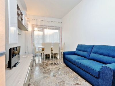 Photo for Large and bright Halldis apartment with four bedrooms in the Tuscolano