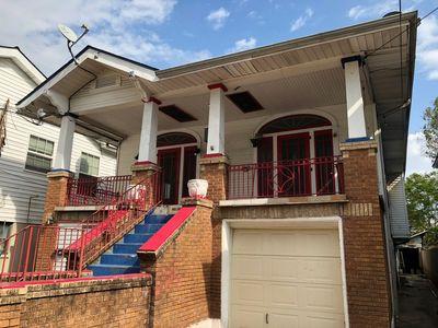 Mid City 2 BR in Beautiful Arts and Crafts House