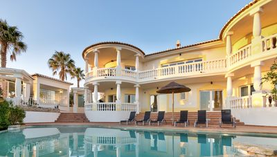 Photo for Deluxe Villa With Private Pool, Jacuzzi, Table Tennis, Games Room And Fibre WIFI
