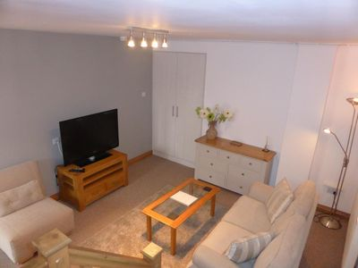 Photo for Large 1 Bed Quiet Garden Apt. Great local amenities, easy access to city centre.